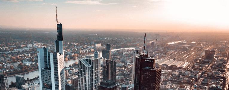 "Frankfurt nennt man oft ""Main-Hatten"""