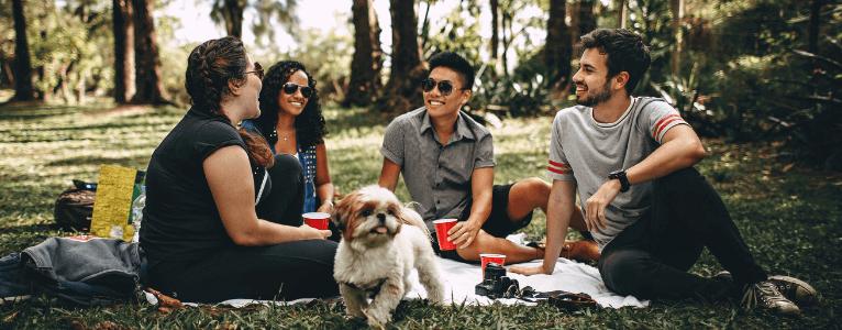 Ein Kennenlernen in entspannter Umgebung fördert Unternehmenskommunikation, Zusammenhalt und Teamgeist